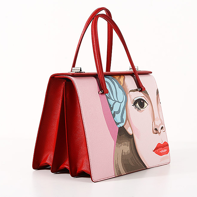 Prada женщин сумки